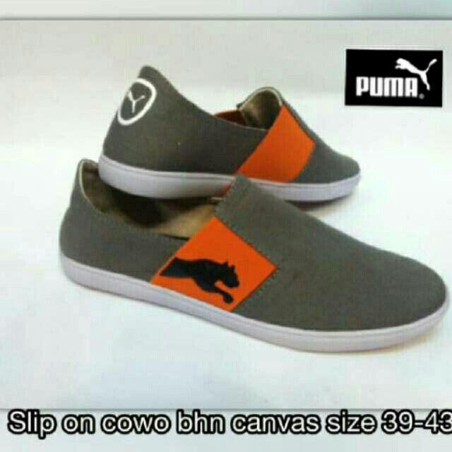 Saya menjual Sepatu Murah - Puma Slip On seharga Rp150.000. Dapatkan produk ini hanya di Shopee! https://shopee.co.id/icxy_shop/22663228 #ShopeeID