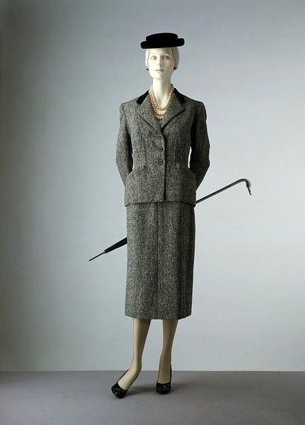 Skirt suit and scarf    Place of origin:  London, England (made)    Date:  ca. 1954 (made)    Artist/Maker:  Digby Morton, born 1906 - died 1983 (designer)    Materials and Techniques:  Tweed lined with silk velvet and half-lining of crêpe de Chine, plastic: Silk Velvet, Digbi Morton, V A Search, Tweed Suits, Scarfs, London England, 1950 S, Skirt Suit, Skirts Suits