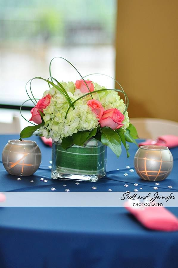 Small Centerpiece Ideas   Simple Flower Arrangement   Table Decorations    Caged Flowers   Modern Floral