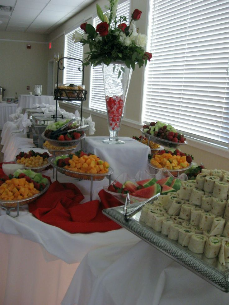 hors d'oeuvres wedding table | Heavy Hors d'oeuvres were served