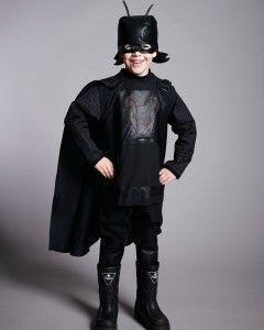 """Antboy+sy+selv+kostume++I+forbindelse+med+DVD+premieren+d.+30/1+2014,+på+den+danske superhelte+film+Antboy+har+STOF+2000+udviklet+et+sy+selv+kostume+som+kan+forvandle+ungerne+til+supercool Antboys+(&+girls)! Tryk+""""synes+godt+om""""+på+Antboy+billedet+på https://www.facebook.com/stof2000.dk og+deltag+i+lodtrækningen+om+10+Antboy+DVD'er! +-+stof2000.dk"""