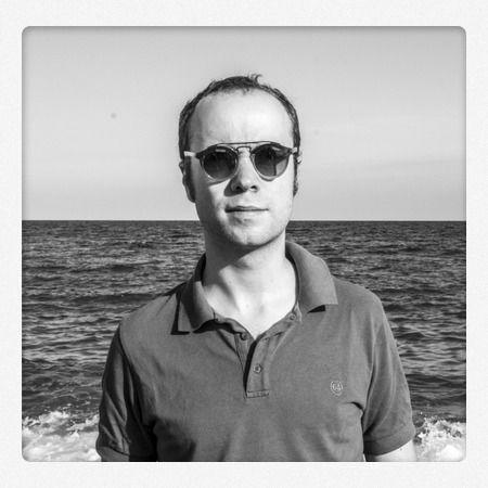 S'inscrire chez Pôle Emploi et une semaine plus tard trouver le boulot de ses rêves à Bali ? Oui, c'est possible ! Il suffit (comme Guillaume) d'avoir un good karma !   http://www.lagazettedebali.info/journal/articles/portraits/good-karma/guillaume-zago-du-pole-emploi-a-bali-il-n-y-a-qu-un-pas.html?date=2014-08