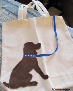 Dog tote bag craft project: cute! ...bring the ribbon up onto the handles?