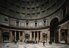 Thomas Struth,  Pantheon, Rome, 1990,  chromogenic print.