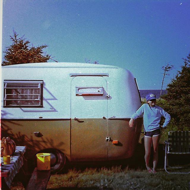 #tb 1983 en camping  javais 12 ans. La roulotte Boler était vraiment cool #bolercamper #vintagecamper #summertime #cormierfamily #souvenir #1983
