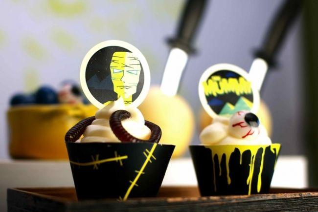 Vintage Horror Movie Dessert Table. www.spaceshipsandlaserbeams.com