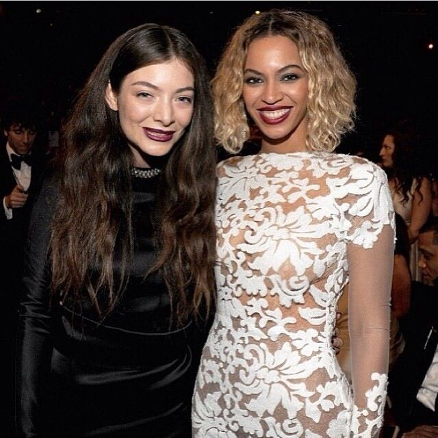 Love our Lorde! 2 Grammys! ;)