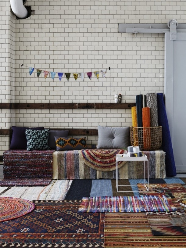 a very boho indie way to warm up a cold space like a dorm room.
