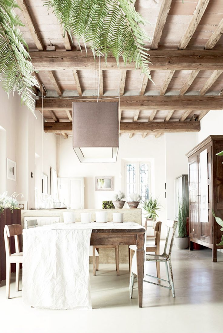 19 Interiors With Spellbinding Ceiling Beams Exposed