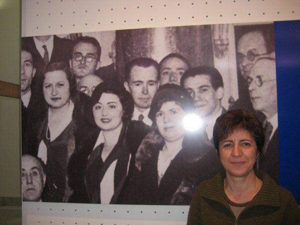 Al lado de bibliotecarios y bibliotecarias de ayer. Exposición de la #biblioteca nacional en 2008