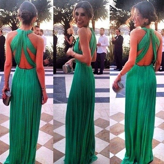 love the back of this green dress