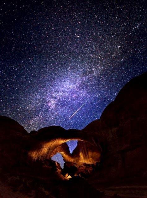 El imponente cielo de Wadi Rum! Uno de los lugares más bellos para estar por la noche! http://www.travel-xperience.com/turismo-accesible/jordania