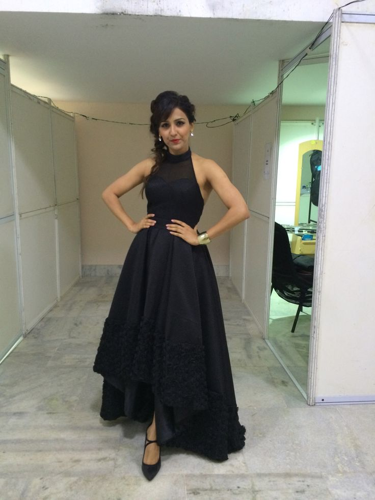 Neeti Mohan at The A R Rahman concert
