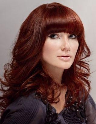 cheveux brun cuivr avec brushing pour femme - Coloration Chatain Reflet Cuivr