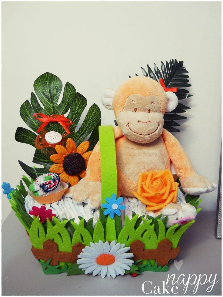 Gateau de couches diapercake panier fleuri petit singe créations Nappy Cake doudou orange