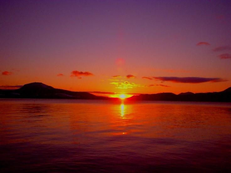 朝焼けの屈斜路湖(北海道) Lake Kussharo at dawn, Hokkaido, Japan
