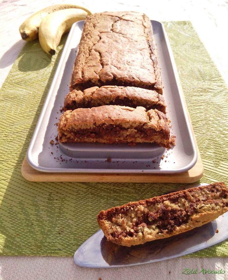 Pikk-pakk kész, banános zabpelyhes sütemény, akár reggelire is a Zöld Avocado vegetáriánus gasztroblogon (laktózmentes, tojásmentes, vegán)
