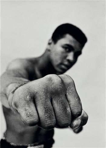 Float like a butterfly.....http://www.amazon.co.uk/Muhammad-Ali-Birth-Legend-1961-1964/dp/0285635824/ref=sr_1_1?ie=UTF8&qid=1421060919&sr=8-1&keywords=muhammad+ali+flip #sport #boxing #CassiusClay
