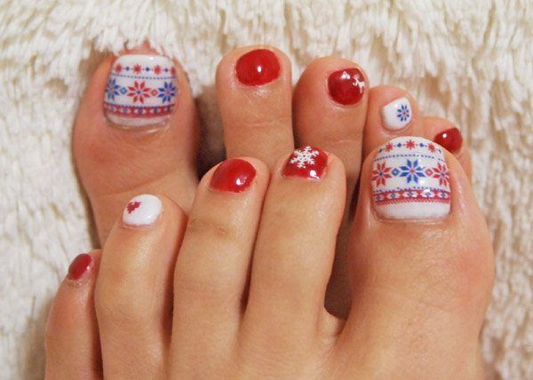 30 best and easy christmas toe nail designs