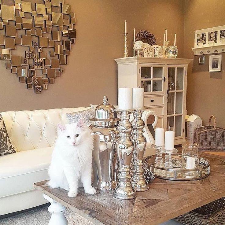 Lekre detaljer rundt Dubai 140 Salongbord fra @classicliving hos flinkeste @englehvitt  #englehvitt #interior #skandinaviskehjem #nordiskehjem#livingroom#shabbyyhomes #designbelysning #interior123#elegantehjem #interior4you1#interior123#instahome #interiør2you #interior4all #charminghomes #norwegianhome #GBinteriørinspo #interiorforinspo #dream_interiors #interiorlovers #livingdelux1#interior_and_living #interior125#interordesign #ninterior…