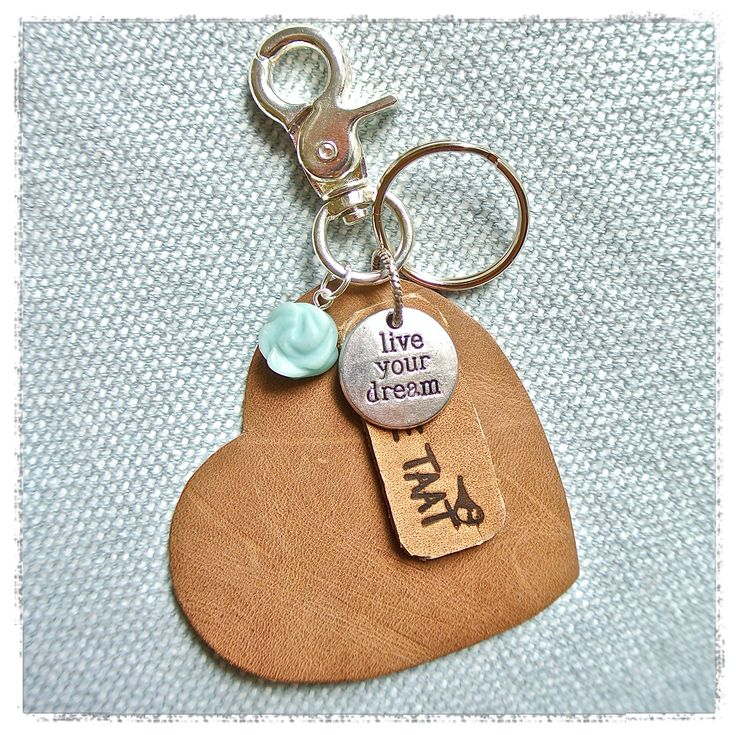 Handmade Leather Keyring with Gemstone Hangemaakte leren tashanger / sleutelhanger met edelsteen Mint  www.tantetaat.nl