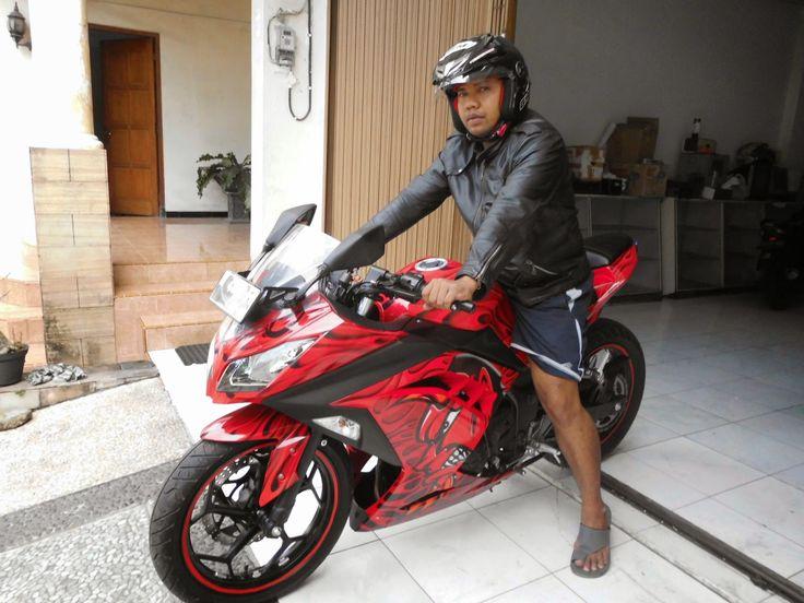 Pak Torro Big Giant Monster on Kawasaki Ninja 250FI #DIGITIVE #KreatifitasLeMuel #LeMuel #ProdukProdukKreatifLeMuel #StripingMoGe #StripingMotorFullBody #StripingMotorKawasakiNinja #StripingMotorLakiFairing