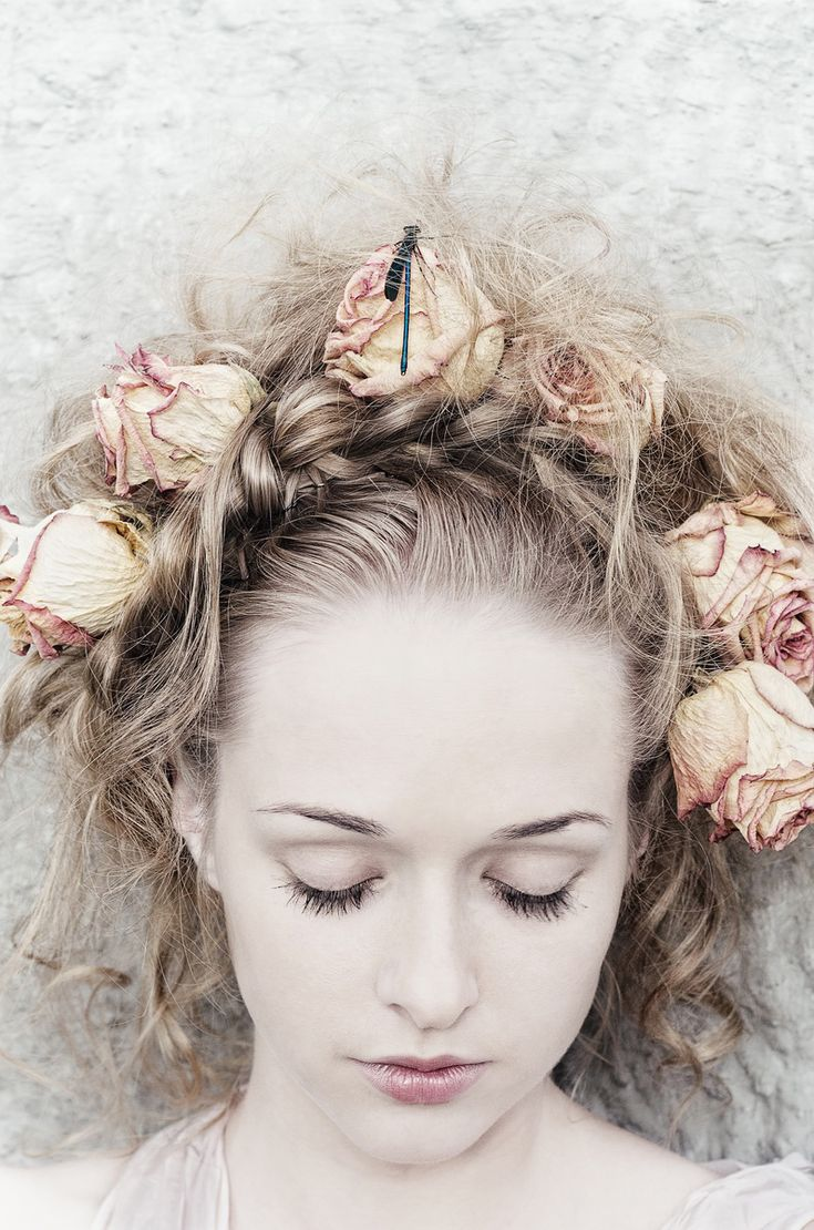 ...      art-of-inspiration:    dracula's bride by ~senkova