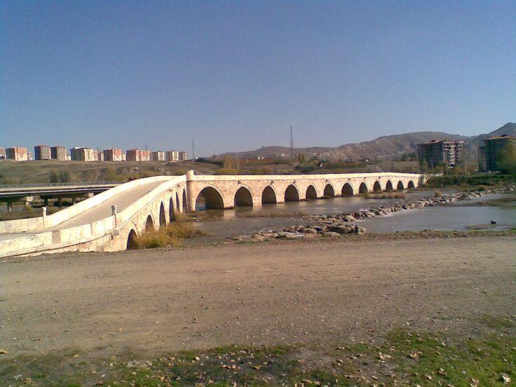 Eğri köprü/Sivas///