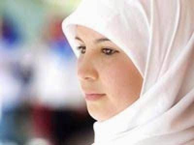 Risale-i Nur Külliyatı - Bediüzzaman Said Nursi: Dinimize göre bir kız veya kadın tesettüre riayet ...