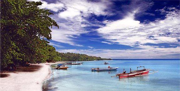 I hope someday, I will visit this Bunaken Beach, Indonesia <3