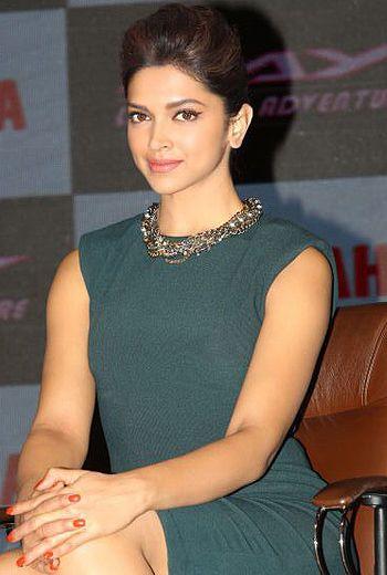 Deepika Padukone states SRK makes her feel special!