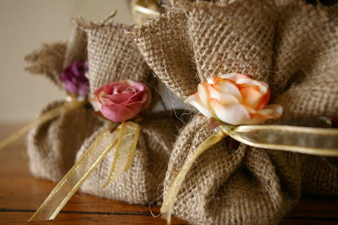 Suppliers of unique personalized wedding favours.