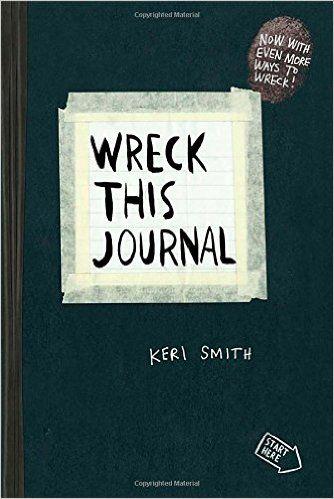 ✔ Wreck this journal, Keri Smith.