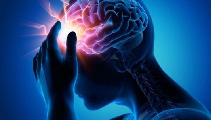 أسباب السكتة الدماغية وأعراضها السكتة الدماغية تعد السكتة الدماغية من أشهر الأسباب التي ينتج عنها الوفاء بالعالم بالإضافة إلى أن