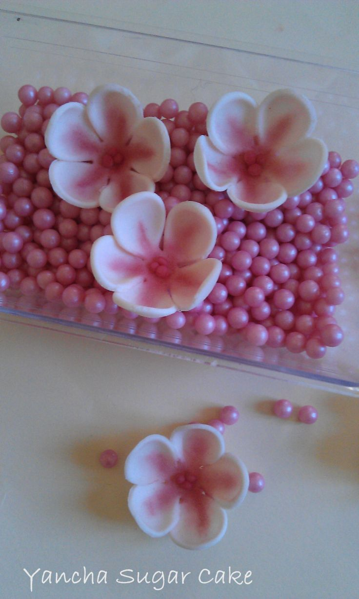 24 Sugar Edible Fondant Flowers Wedding Valentine's day, Brideal, Wedding Decor, Baby shower, Fondant blossom. Gumpaste roses, Girl birthday by YanchaSugarCake on Etsy