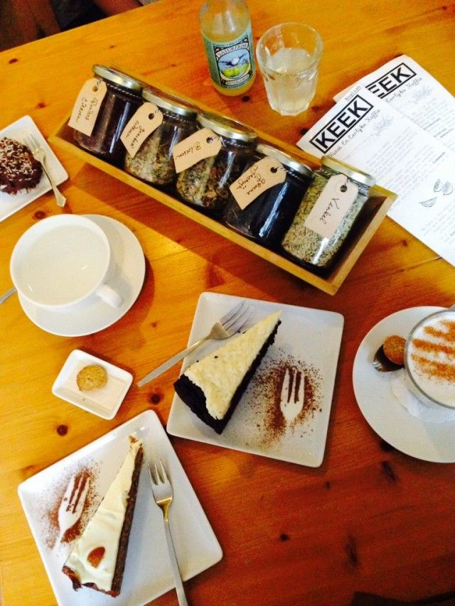 Coffee and cake at KEEK on the Twijnstraat
