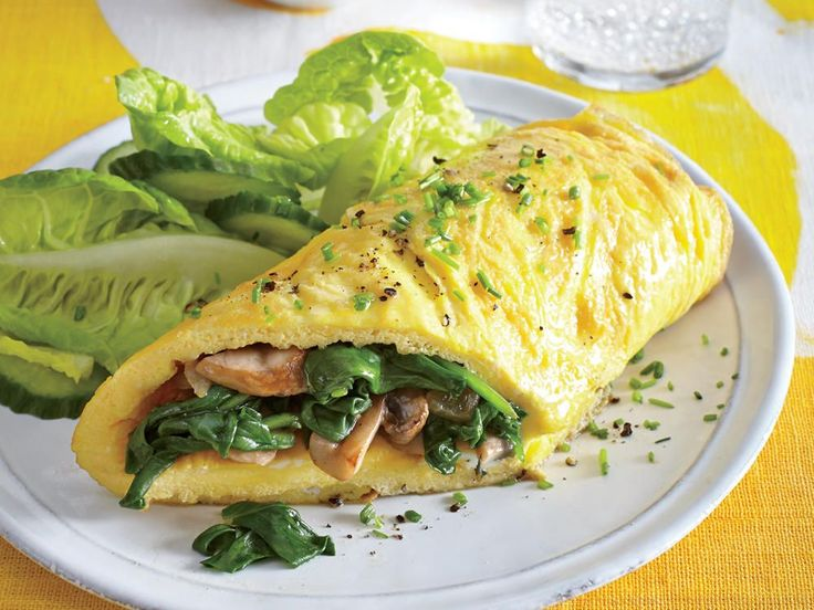 Mushroom and Spinach Omelet | Enjoy our favorite healthy omelet recipes—perfect for a hearty start to the day, weekend brunch, or breakfast-for-dinner dish.