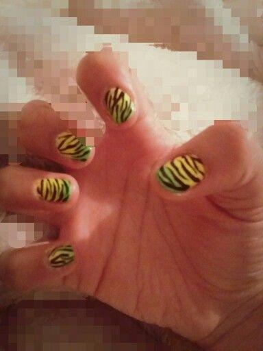 Nail art cebra limon