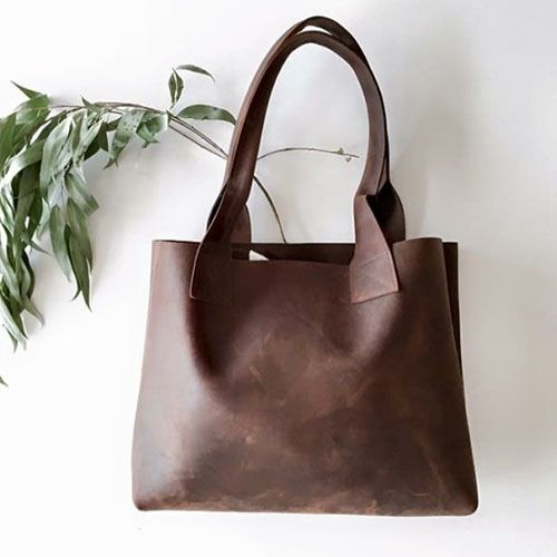 100% Raw Leather Oversized Bag Our Heffer bag is an EXTRA thick RAW leather! 100% Hand made, Australian sourced leather, made on the Mornington Pen...