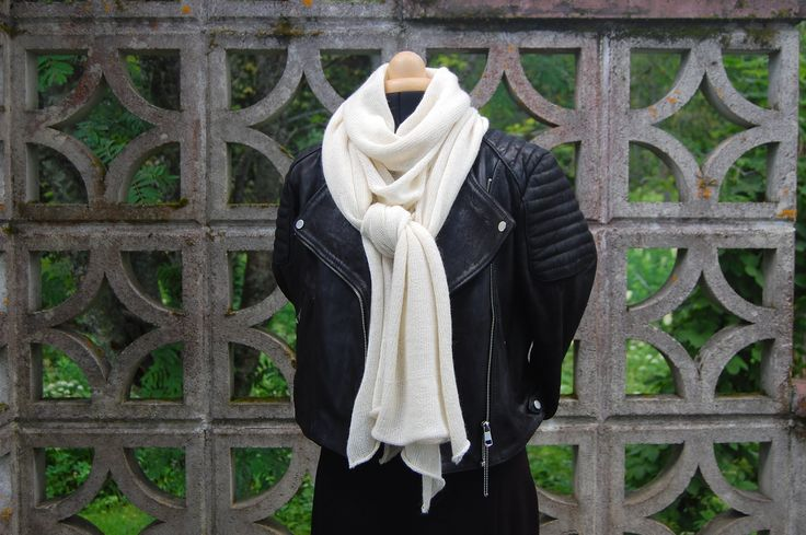 Oversized scarf by ALLIVILLA 70% alpaca 30% mulberry silk. Versatility.