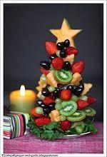 Christmas food - Fruit Christmas tree #santaclaws