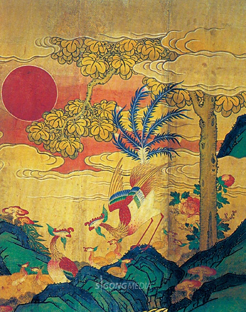 Chinese Phoenix Paintings. 봉황 Phoenix (凤凰) is a creature of imagination in myths and legends of the East Asia. Phoenix was born by mating of crane bird and dragon. Phoenix only eat bamboo fruits and only live on the paulownia(the Empress tree). It was known that Phoenix will emerge in an age of peace or with an advent of a great king.
