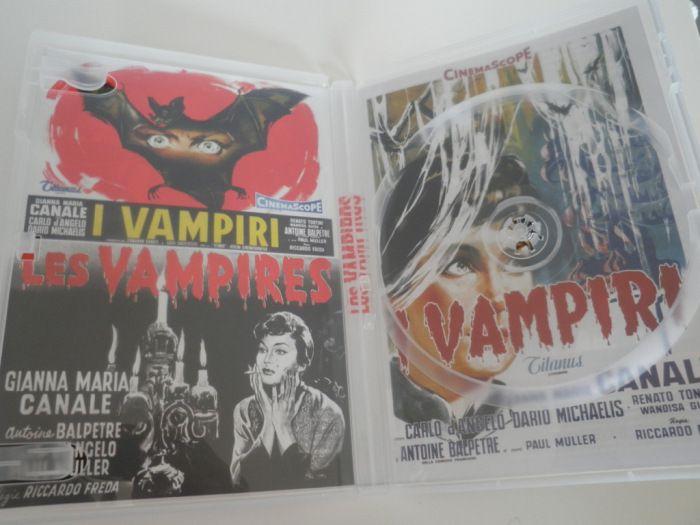 Interior vacío del DVD de Los vampiros