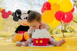 Curitiba, Kelli Homeniuk, Ensaio de bebê, 11 meses, 1 aninho, pré aniversário, bolo big Cupcake, Smash The Cake, Cake Smash, bolo, externo, mickey, vermelho e amarelo, menino, chalkboard (41)9729-6585 ©Kelli Homeniuk - Fotografia Profissional