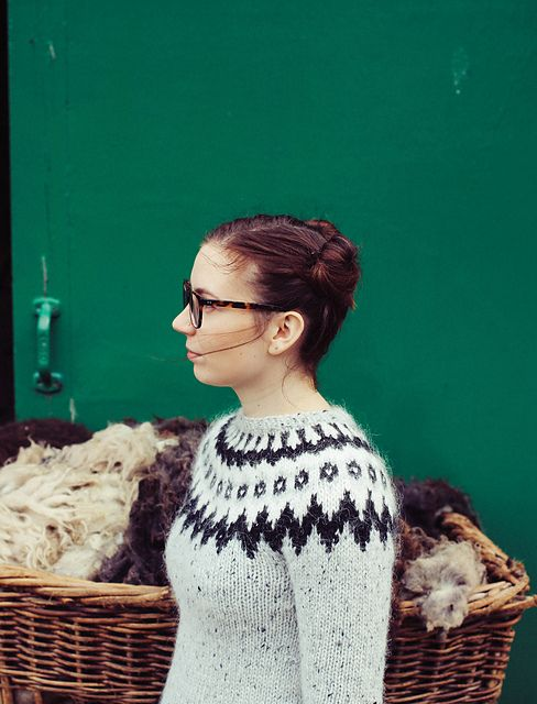 Icelandic Zip Cardigan – a free knitting pattern by Védís Jónsdóttir. Instructions available in Icelandic, English, and French.(sweater and photo by ellalc on ravelry)