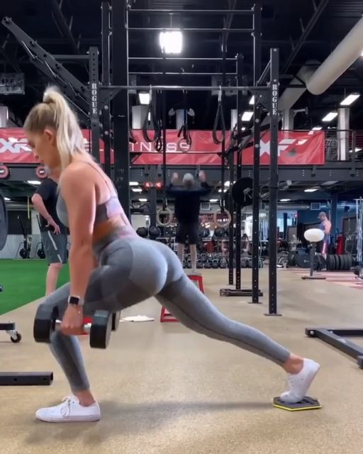 This reverse lunge complex is a serious burner 😩Try 3 sets of 5 reverse lunges using a slider into 5 pulses. For beginners, use 1 dumbbell and take the slider out! We're really getting fit with Whit, wearing the High Waisted Flex, coming soon! #Gymshark #Workout #Target #Fitness #Gym #Exercise #Sweat #Challenge #Legs #Core #LegDay #Squat #Lunge