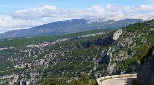 "Francia – #Provenza – ""Alle falde del #Mont Ventoux""   vivilamoto"