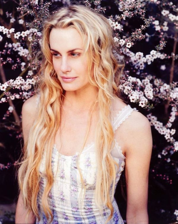 Daryl Hannah An example of the Natural + Ethereal/Angelic type combo