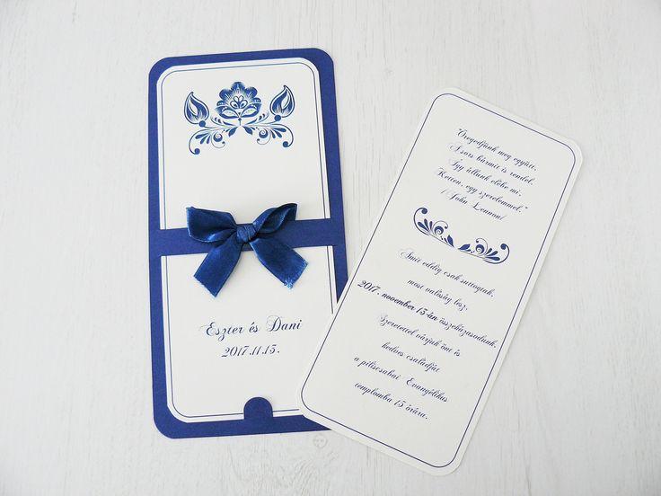 Kék szalaggal díszített kártya esküvői meghívó hátlappal - blue card wedding invitation