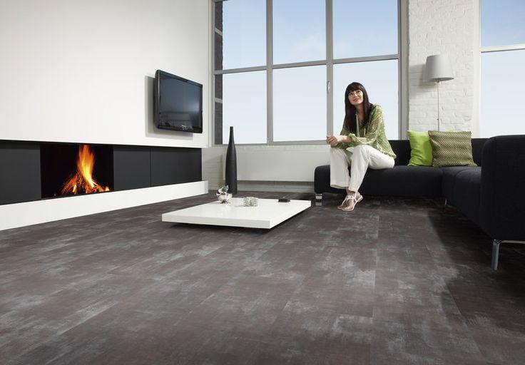 Steen look PVC vloer - woonkamer - strakke haard